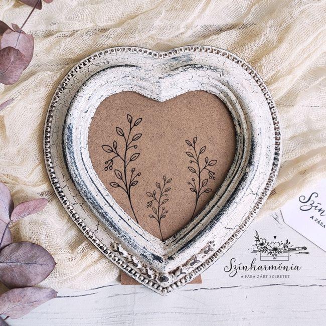 Vintage Fehér képkeret - szív 8,5x9 cm